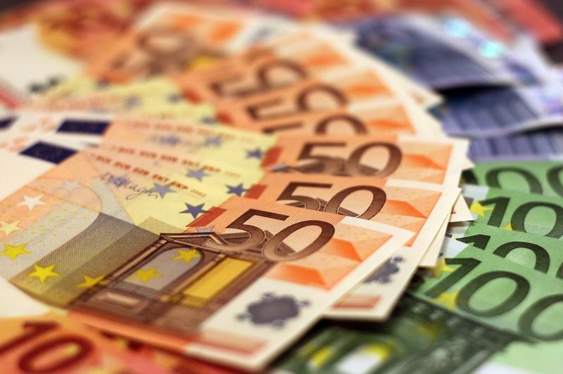 Кой колко получава на месец в Германия?