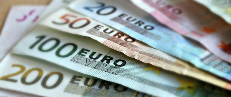Заплати и осигуровки в Австрия